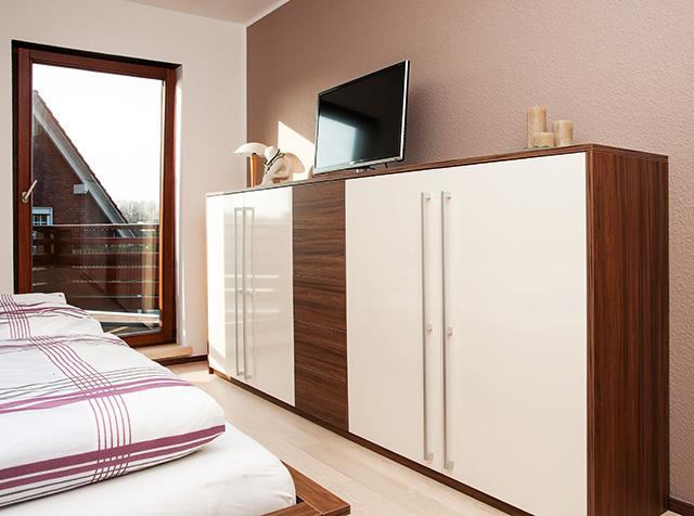 schlafzimmerschr nke von daniel albani gestaltung in holz. Black Bedroom Furniture Sets. Home Design Ideas