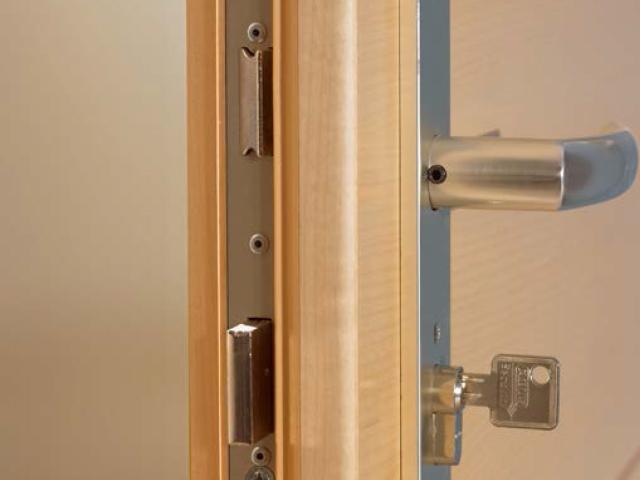 Sicherheitstüren  Sicherheitstüren - Gestaltung in Holz