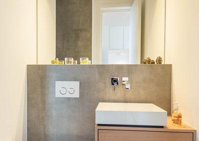 Badmöbel und Innenausbau Einfamilienhaus in Meerbusch - Erwähnung im Cube-Magazin