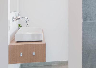 Waschtische im Einfamilienhaus in Meerbusch - Erwähnung im Cube-Magazin