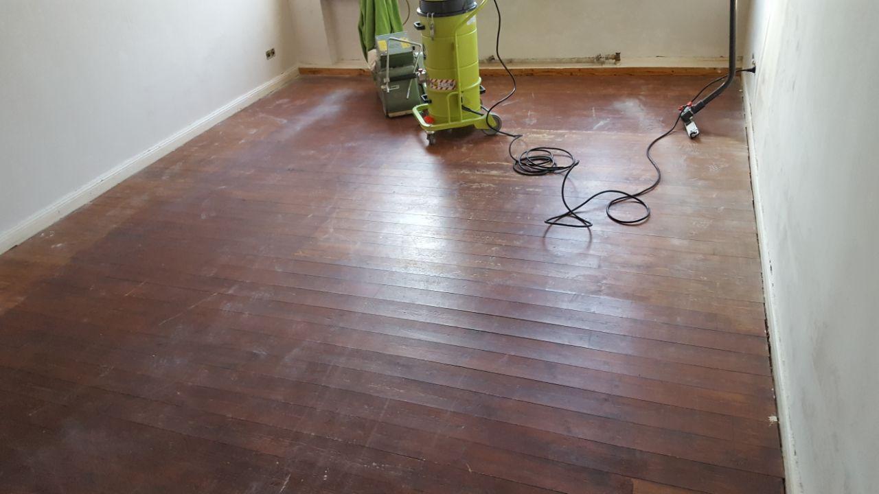 Holzfußboden Sanieren ~ Aufarbeitung von lackierten holzböden tischlerei korschenbroich