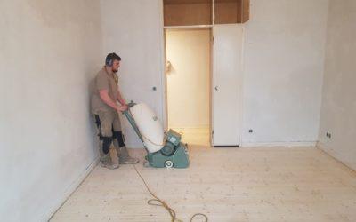 Aufarbeitung von lackierten Holzböden