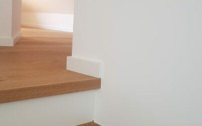 Parkett auf Treppe verlegt